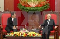 越共中央总书记阮富仲会见日本驻越大使梅田邦夫