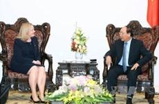 越南政府总理阮春福会见爱尔兰驻越南大使