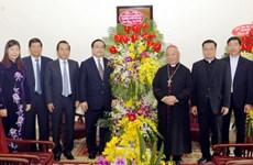 越南全国各地领导人圣诞节前开展看望慰问活动