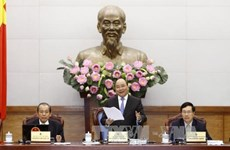 阮春福总理主持召开政府与全国各地政府视频会议 指出10个最突出成果和9个存在不足之处