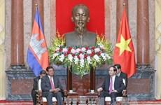 越南国家主席陈大光会见柬埔寨副首相兼内政部大臣韶肯