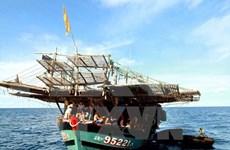 富安省渔民成功营救海上遇险的两名菲律宾渔民