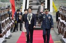 日本首相安倍晋三访问菲律宾