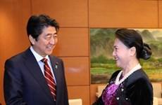越南国会主席阮氏金银会见日本首相安培晋三