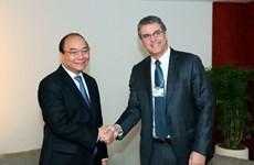 越南政府总理阮春福出席世界经济论坛2017年年会各场讨论会
