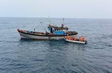 及时救助海上遇险的许多船只