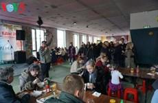 在莫斯科举行的越南街头美食节吸引众多俄罗斯食客