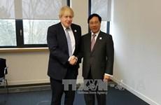 越南政府副总理兼外交部长范平明会见英国、美国和巴西外交部长