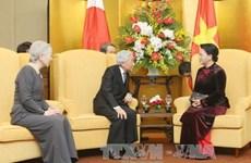 国会主席阮氏金银会见日本天皇明仁和皇后