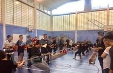 在英越南留学生体育活动热闹非凡