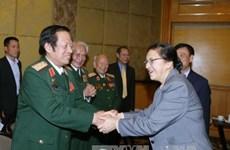 老挝国会主席巴妮·雅陶都会见越老友好协会代表