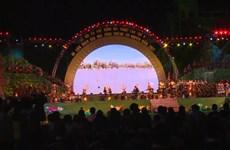 精彩的西原锣钲演奏和民间木雕亮相2017年西原锣钲文化节