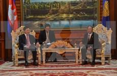 越南政府副总理范平明拜会柬埔寨国会主席韩桑林