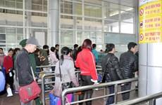 经芒街口岸入境的中国游客猛增但没有出现通关拥堵现象
