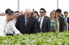 以色列总统鲁文·瑞夫林及夫人造访三岛VinEco高工艺应用农业区