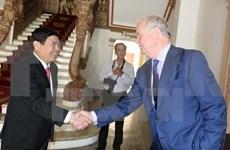 胡志明市向越南富布赖大学建设项目提供便利条件