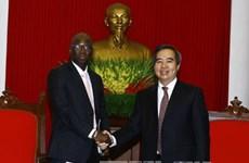中央经济部部长阮文平会见世行驻越首席代表