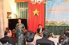 阮氏金银主席:越南一如既往支持并为越南驻外机构创造便利条件