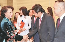 捷克卡罗维发利洲给越南代表团留下难忘的印象