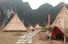 《金刚:骷髅岛》中的土人村在宁平省得到复原