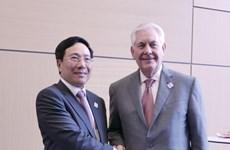 越南政府副总理兼外长范平明对美国进行正式访问