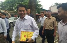 河内市人民委员会主席与同心乡人民进行直接对话 被拘留的干部战士全部获释放