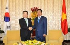 胡志明市领导会见韩国国会议长丁世均
