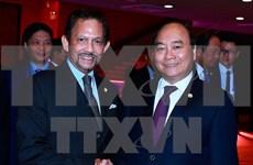 政府总理阮春福会见文莱国王哈桑纳尔·博尔基亚