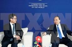 阮春福总理会见世界经济论坛各大集团公司领导人