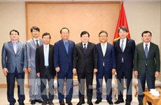 越南政府副总理郑廷勇会见韩国南方电力公司董事长
