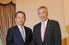 新加坡承诺积极推动东盟与中国关系不断向前发展
