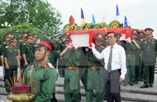 越南志愿军烈士遗骸归国安葬仪式在全国各地举行