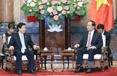越南国家主席陈大光会见中国商务部长钟山