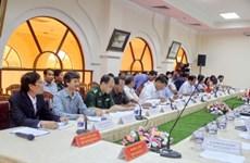 越老合作委员会代表团在布衣-Phu Cưa国际口岸考察《2007年河内协议》落实情况