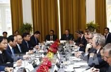 越南政府总理阮春福:欢迎美国企业对越南投资