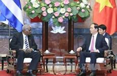 越南国家主席陈大光会见古巴全国人民政权代表大会主席埃斯特万
