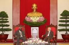 阮富仲总书记会见古巴全国人民政权代表大会主席埃斯特万