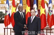 政府总理阮春福会见海地参议院议长尤里•拉托尔蒂