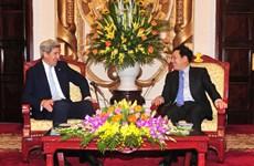 政府副总理兼外长范平明会见美国前国务卿约翰·克里