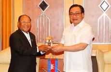 河内市委书记黄忠海会见柬埔寨国会主席韩桑林