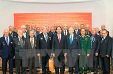 国家主席陈大光会见白越友好协会代表和白俄罗斯援越抗战老战士