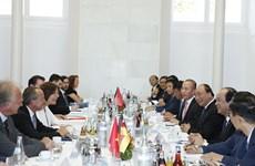 政府总理阮春福访问德国莱茵兰-普法尔茨州