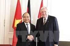 越南政府总理阮春福会见德国黑森州领导人