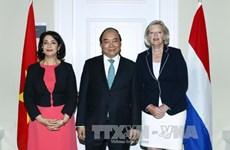 政府总理阮春福会见荷兰议会一院议长和二院议长
