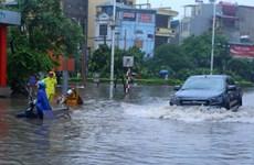 郑廷勇:动用一切力量开展暴雨灾害救灾善后工作