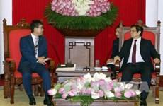 越共中央组织部部长范明正会见日本首相安倍晋三特别顾问