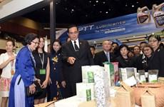 越南企业在2017年东盟-印度商贸展销会上推广越南商品