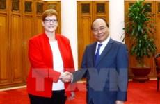 越南政府总理阮春福会见澳大利亚国防部长