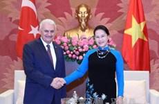国会主席阮氏金银会见土耳其总理耶尔德勒姆