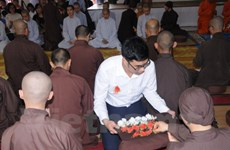 旅居泰国越侨举行盂兰节